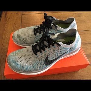 Men's Nike Flyknit Free Runs